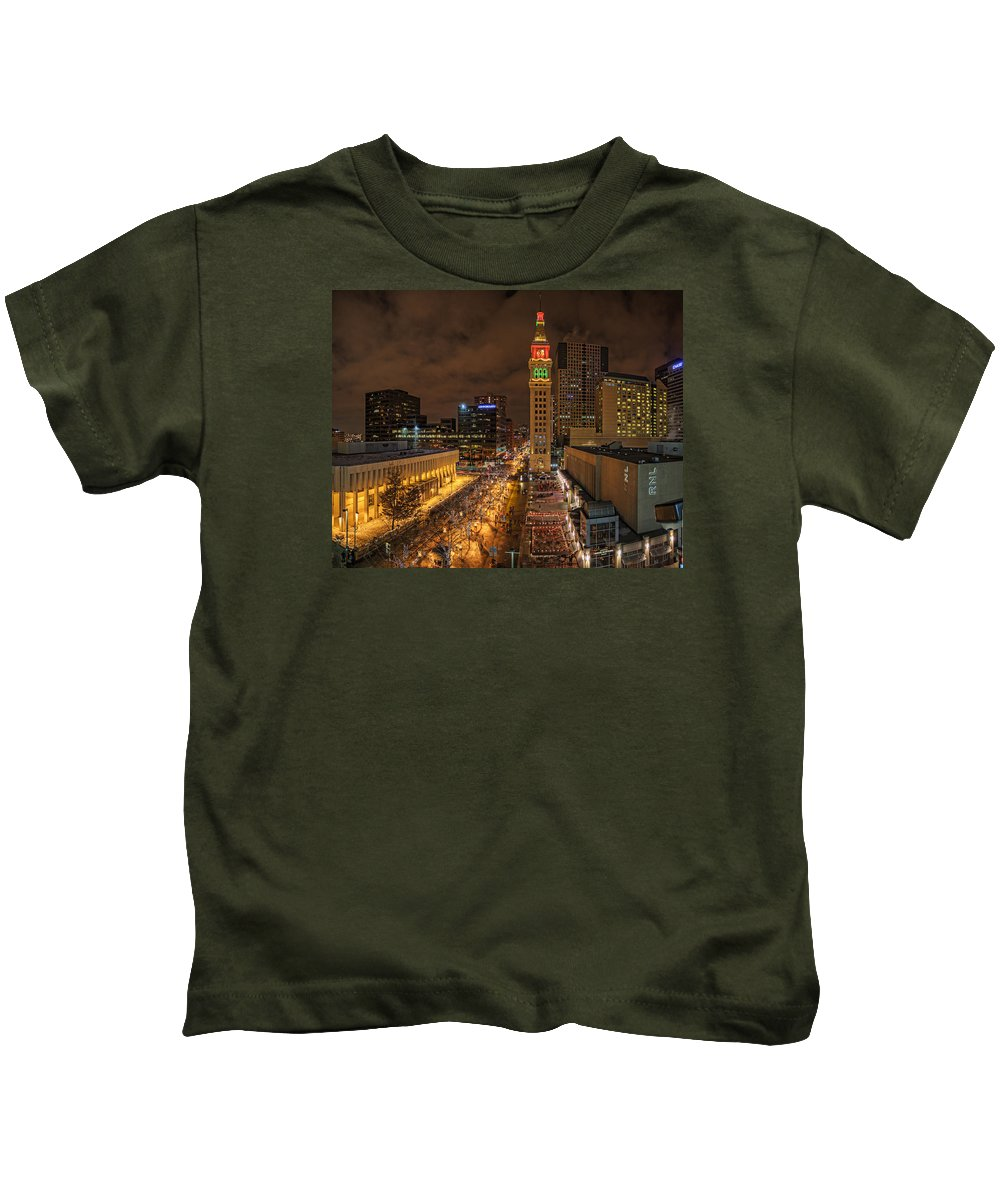 Denver Kids T-Shirt featuring the photograph Denver 16th St Mall by James McGinley
