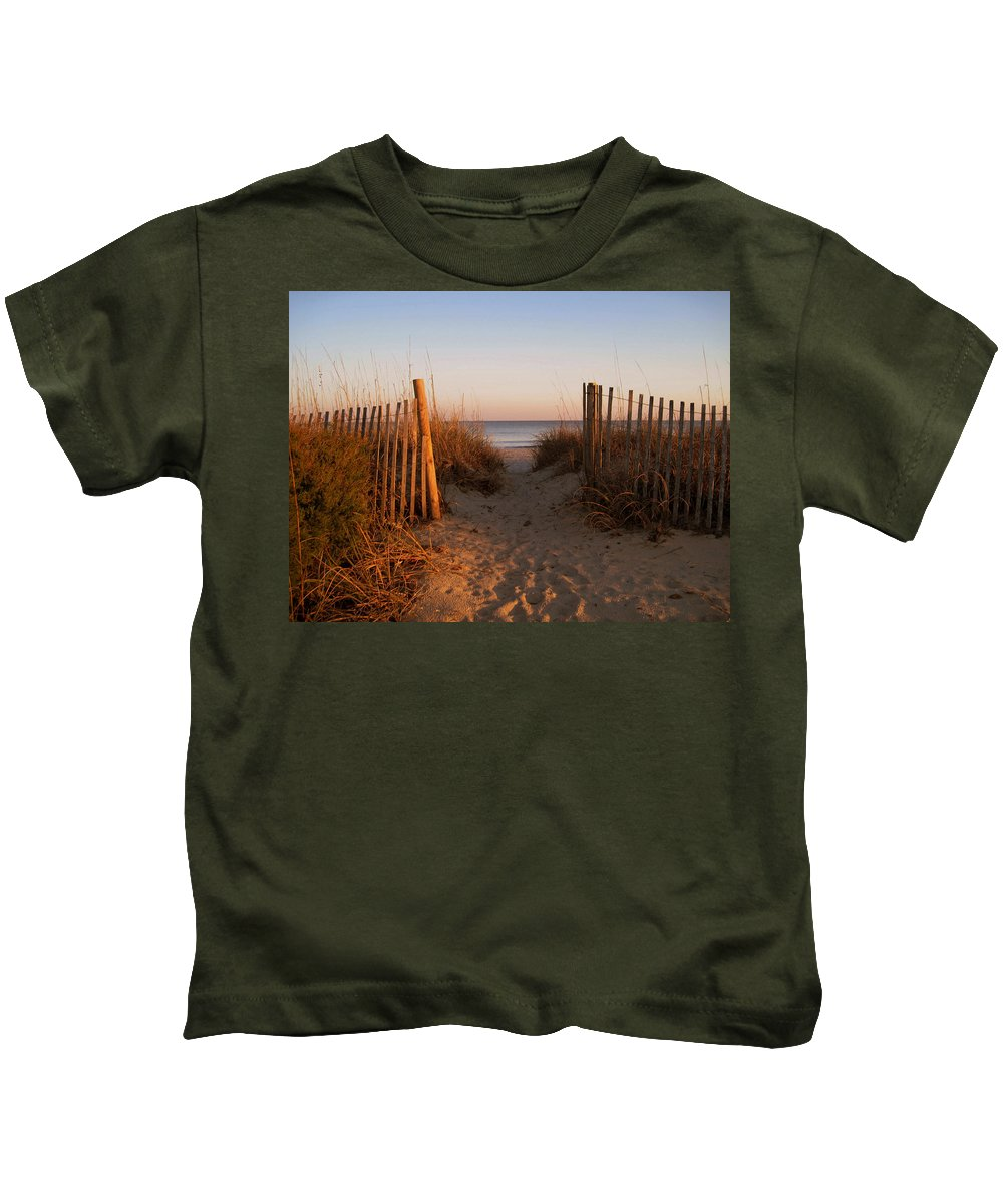 Beach Scene Kids T-Shirt featuring the photograph Early Morning At Myrtle Beach Sc by Susanne Van Hulst
