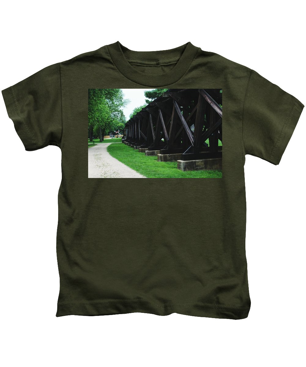 Railroad Kids T-Shirt featuring the photograph Elevated Railroad by Hunter Kotlinski