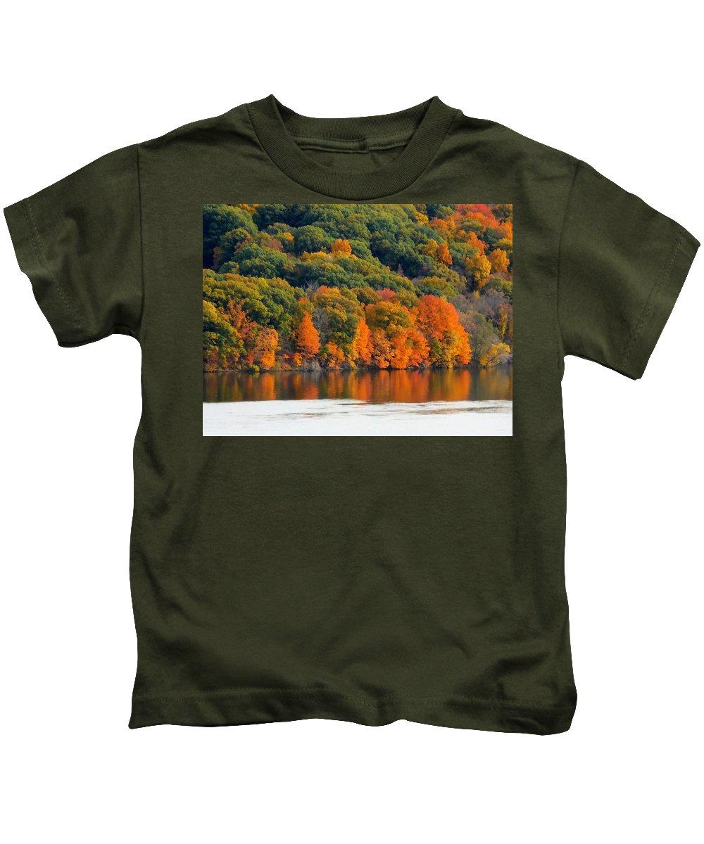 Fall Foliage In Hudson River Kids T-Shirt featuring the painting Fall Foliage In Hudson River 14 by Jeelan Clark