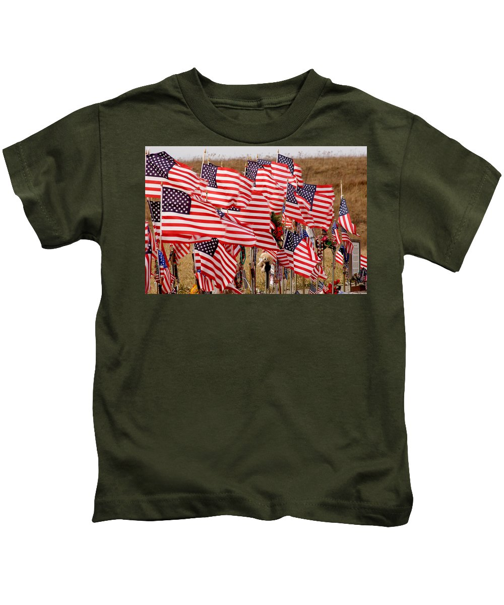 Flags Kids T-Shirt featuring the photograph Flight 93 Flags by Jean Macaluso