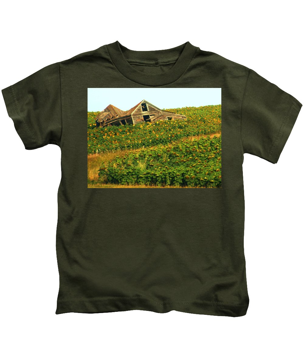 Old Building Kids T-Shirt featuring the photograph Forgotten by Marilyn Smith