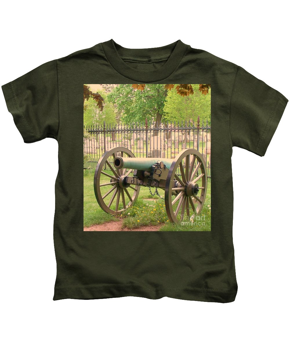 Gettysburgs Kids T-Shirt featuring the painting Gettysburg Cannon Cemetery Hill by Eric Schiabor