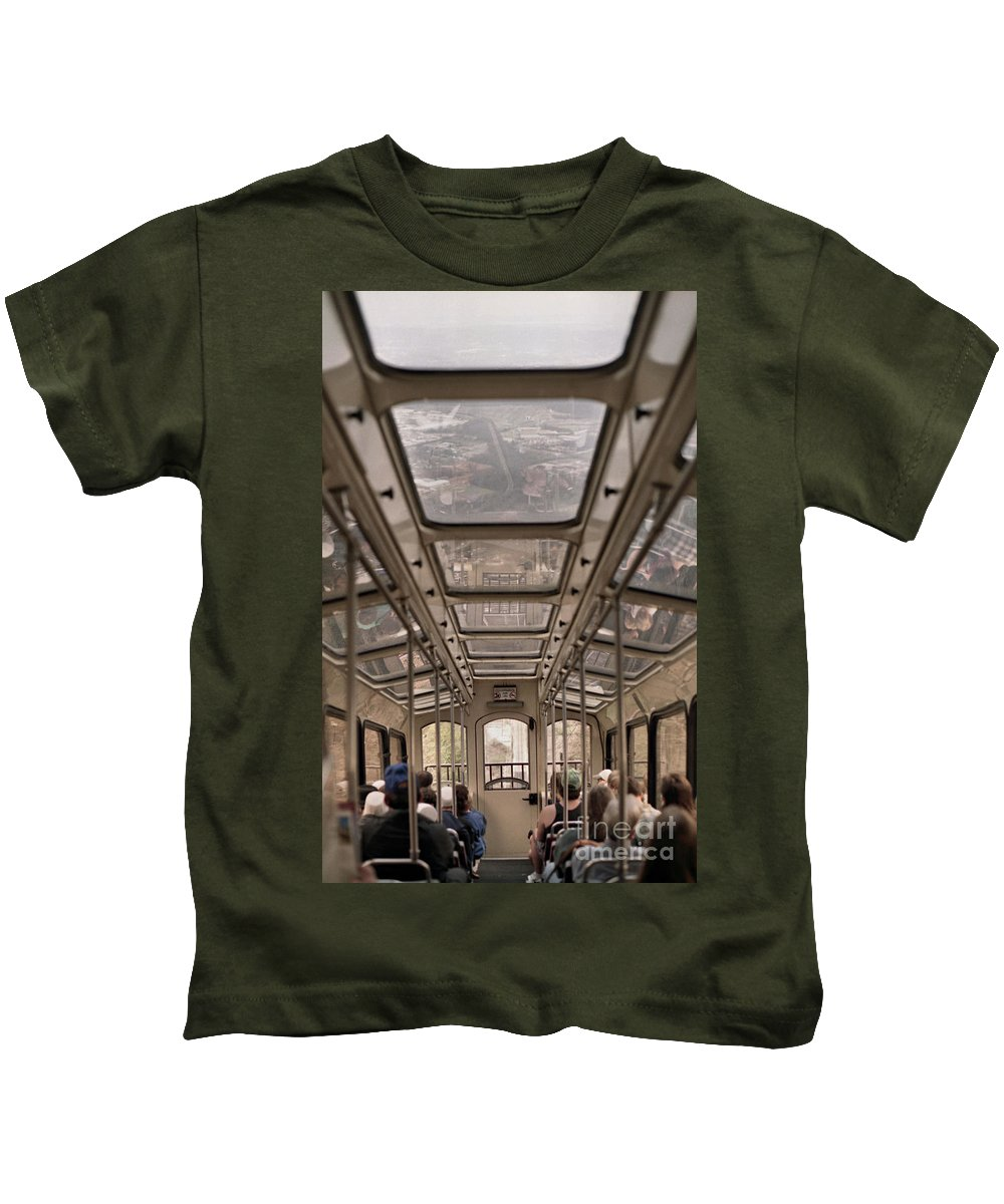 Cable Car Kids T-Shirt featuring the photograph Going Down by Richard Rizzo