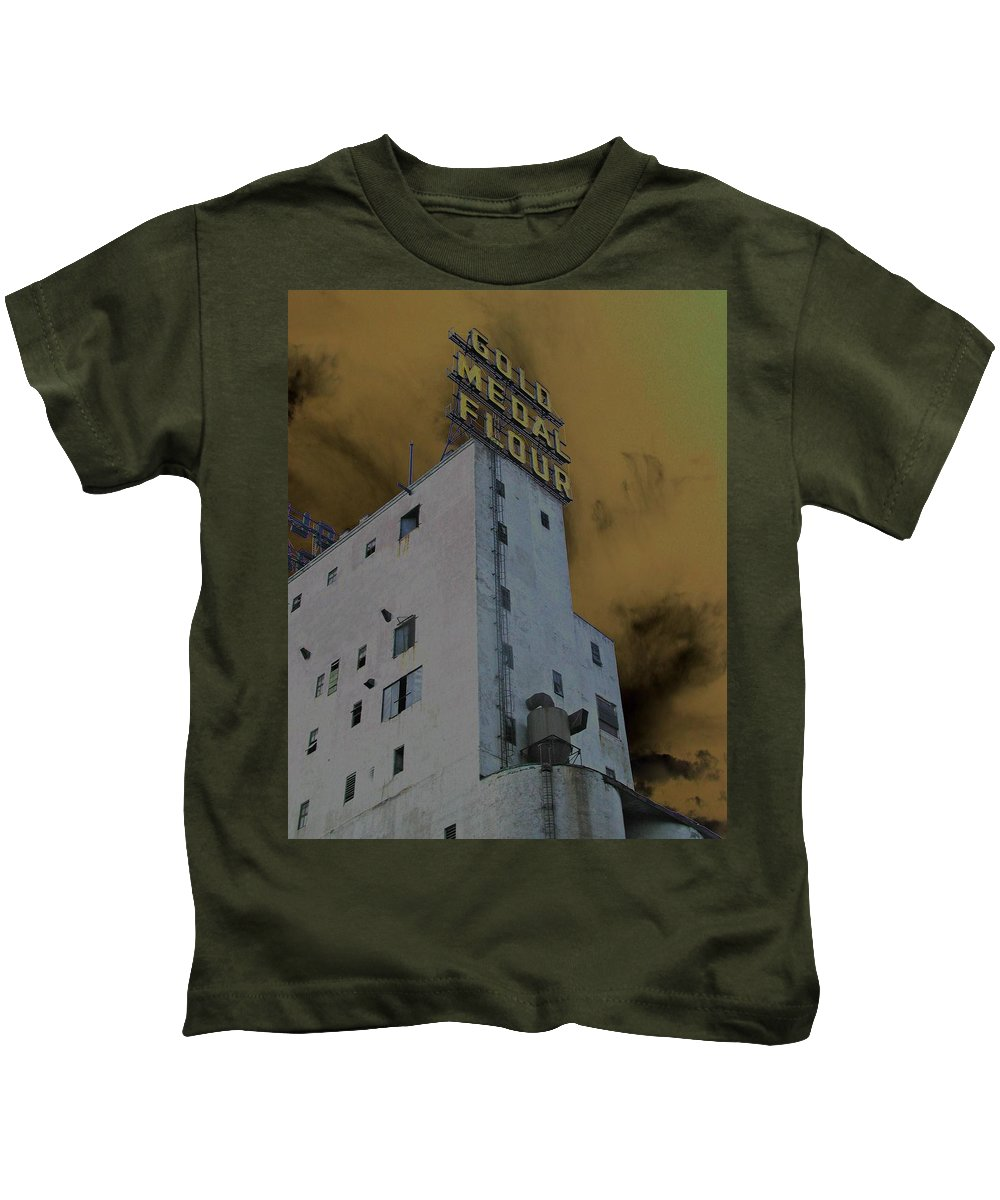 Minneapolis Kids T-Shirt featuring the photograph Gold Medal Flour by Tom Reynen