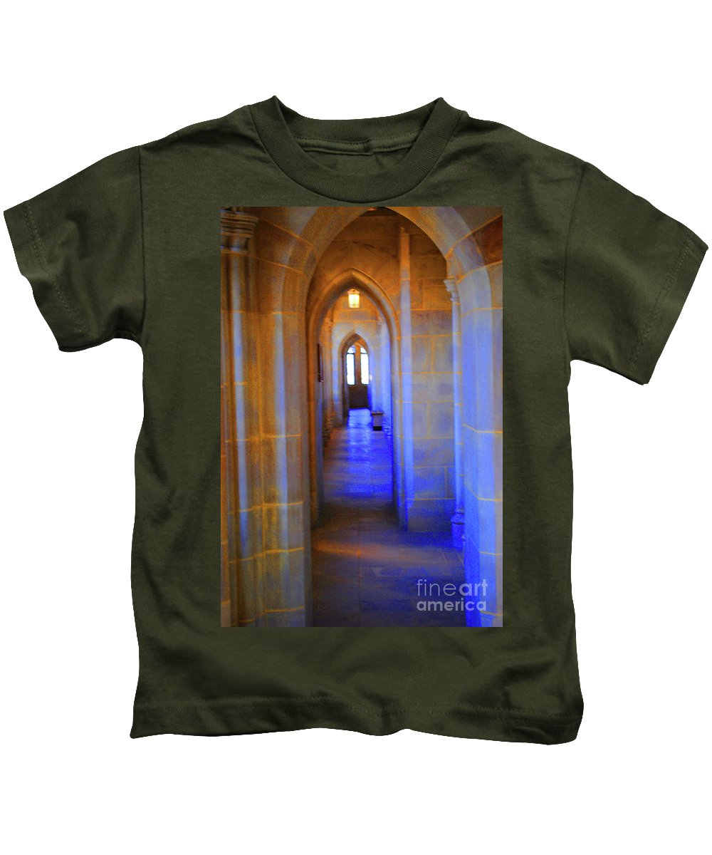 Washington Kids T-Shirt featuring the photograph Gothic Arch Hall by Jost Houk