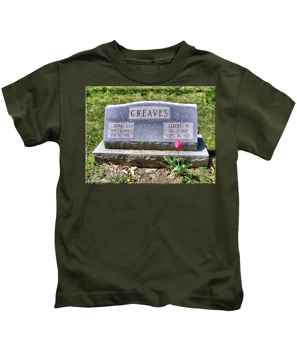 2d Kids T-Shirt featuring the photograph Greaves by Brian Wallace