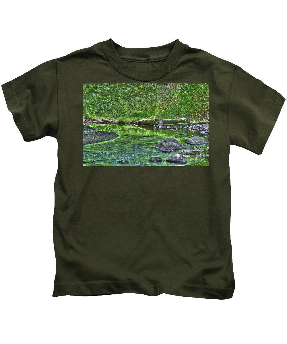 River Kids T-Shirt featuring the photograph Green River Bend by Robert Pearson