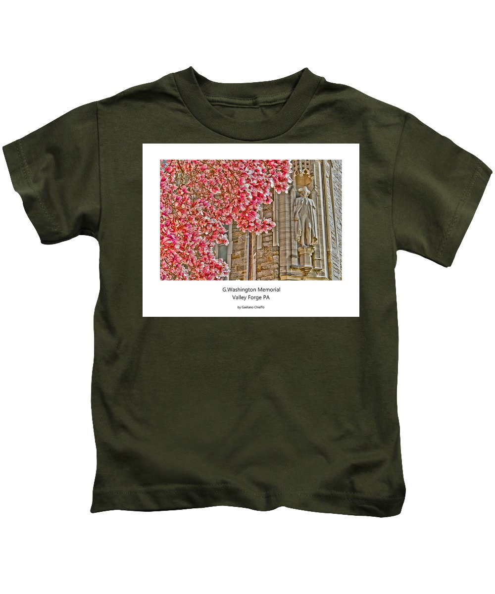 Kids T-Shirt featuring the photograph G. Woshington Memorial by Gaetano Chieffo