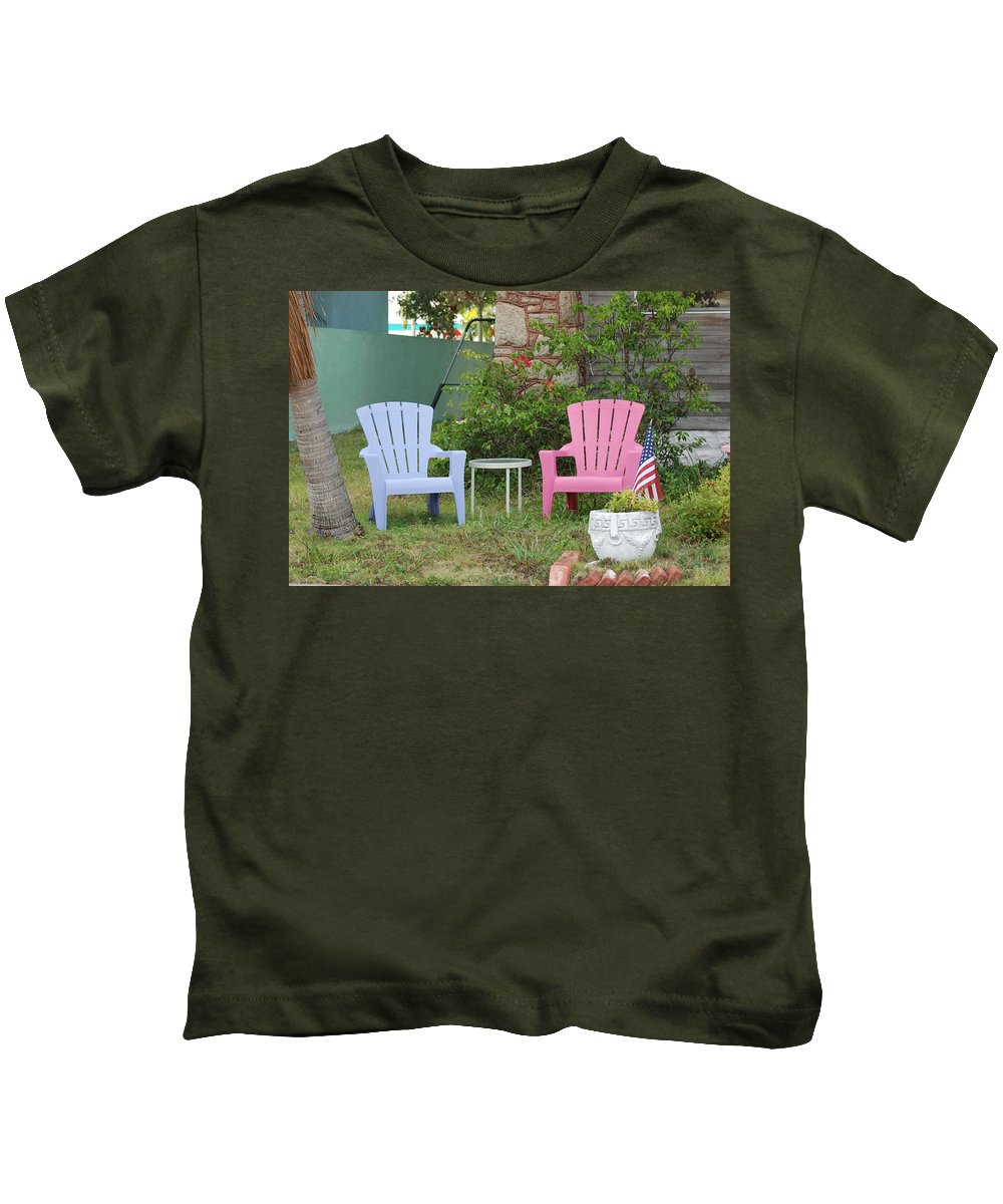 Art Deco Kids T-Shirt featuring the photograph Have A Seat by Rob Hans