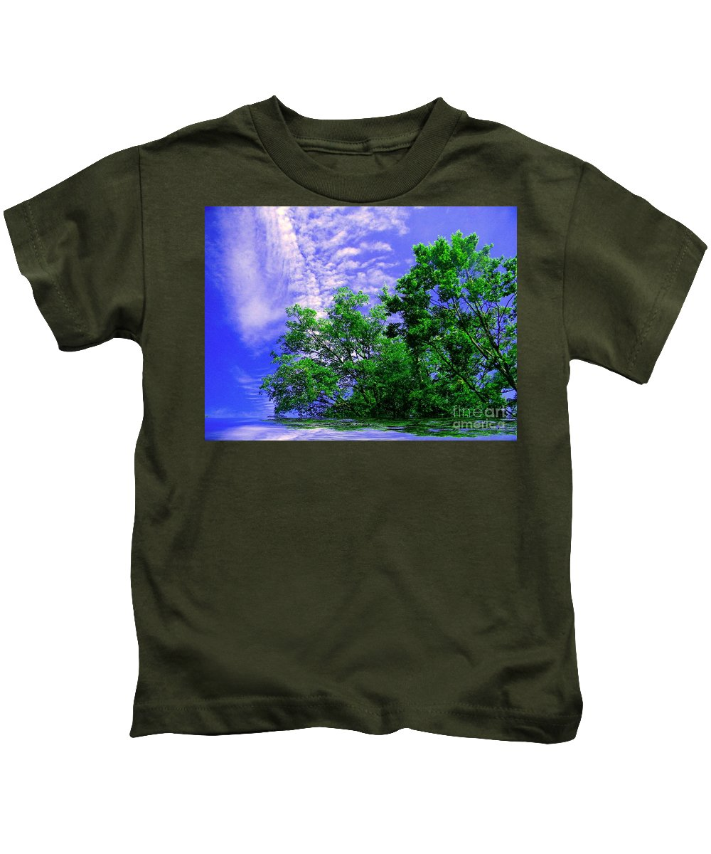 Green Kids T-Shirt featuring the photograph Heavenly by Elfriede Fulda