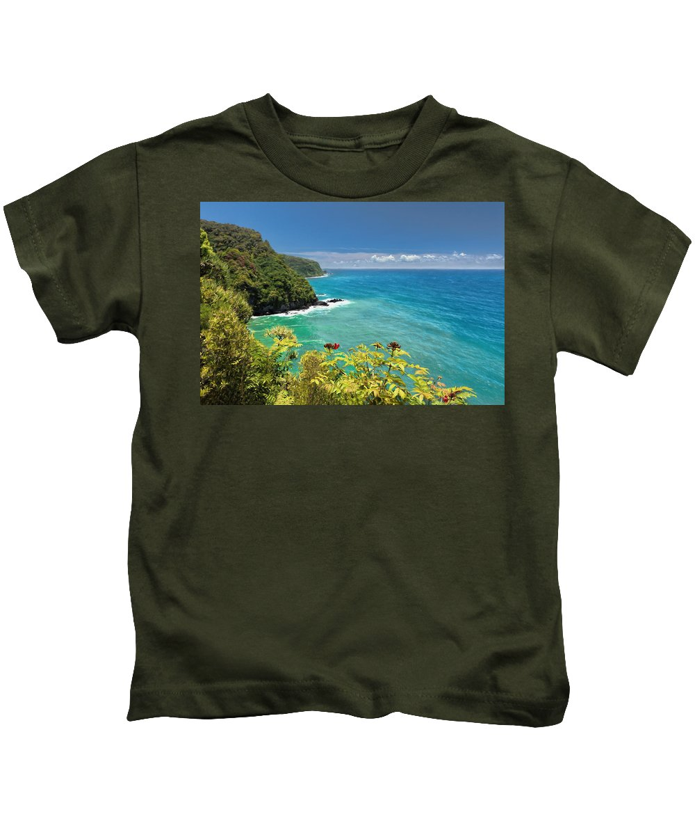 Road To Hana Kids T-Shirt featuring the photograph Honomanu Bay by Susan Rissi Tregoning