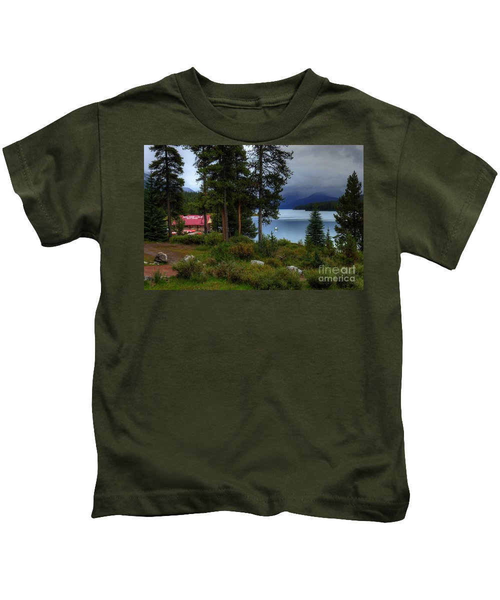 #photogtipsandtricks Kids T-Shirt featuring the photograph Iconic Maligne Lake And Boat House II by Wayne Moran