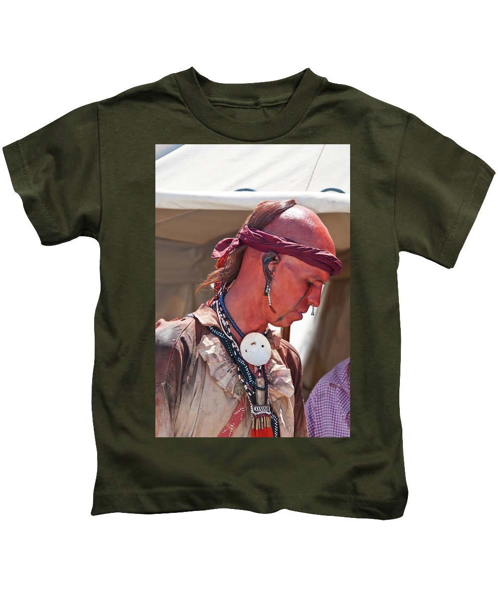 French & Indian War Re-enactor Kids T-Shirt featuring the photograph Indian Viii 6740 by Guy Whiteley