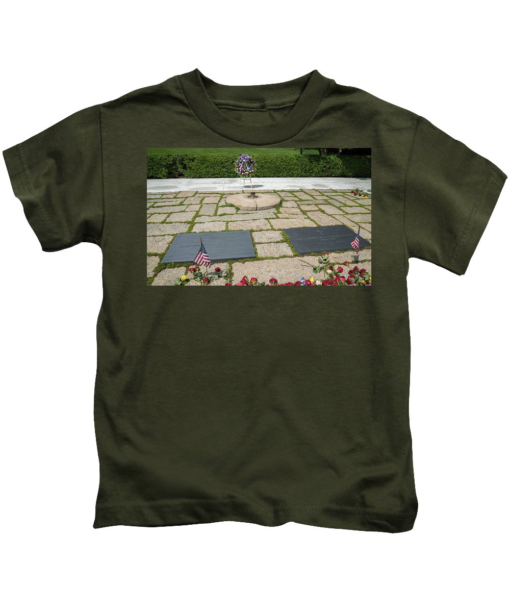 Kids T-Shirt featuring the photograph Jfk Eternal Flame Memorial by Jared Windler