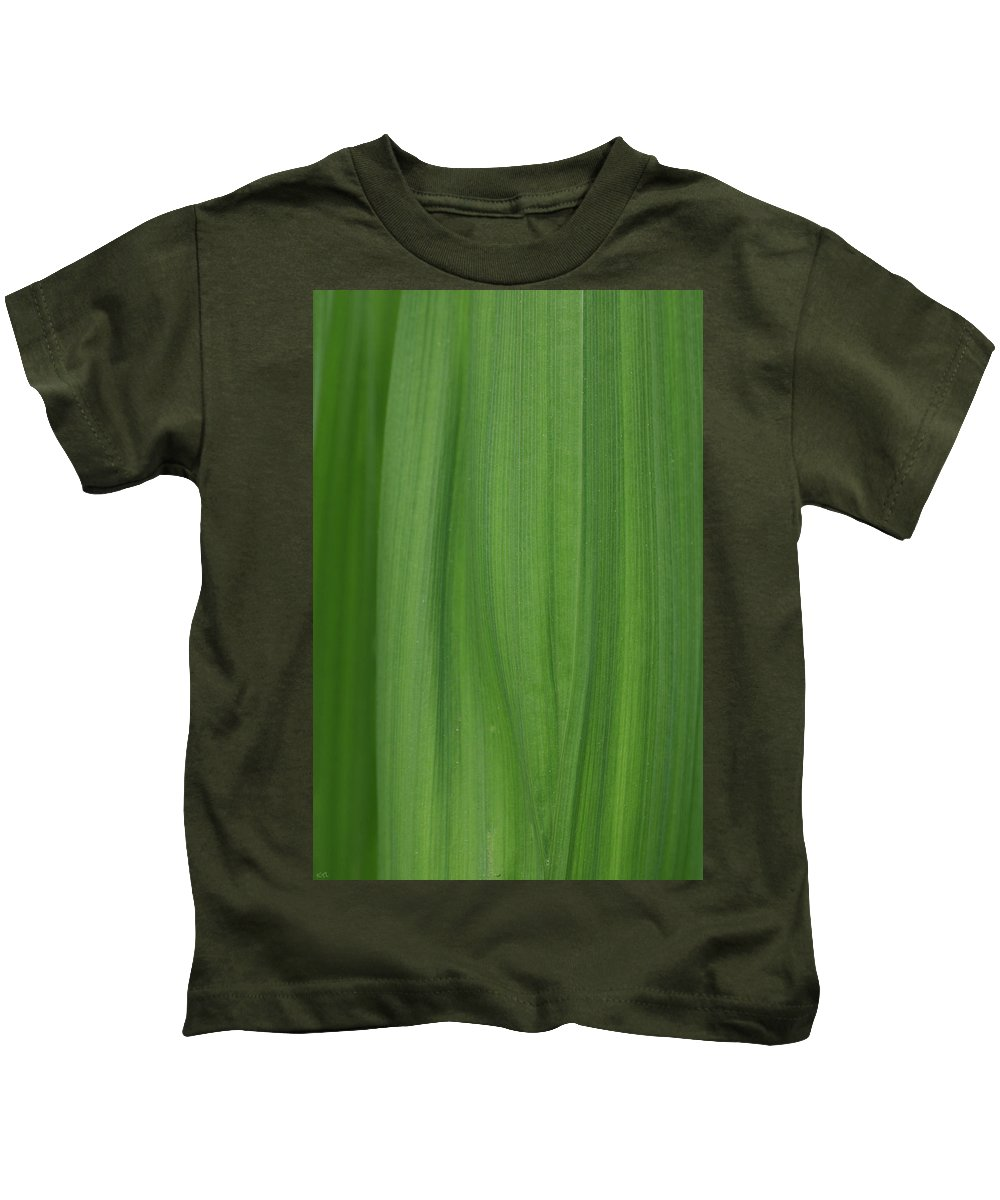 Abstract Kids T-Shirt featuring the photograph Lines Of A Leaf by Karol Livote