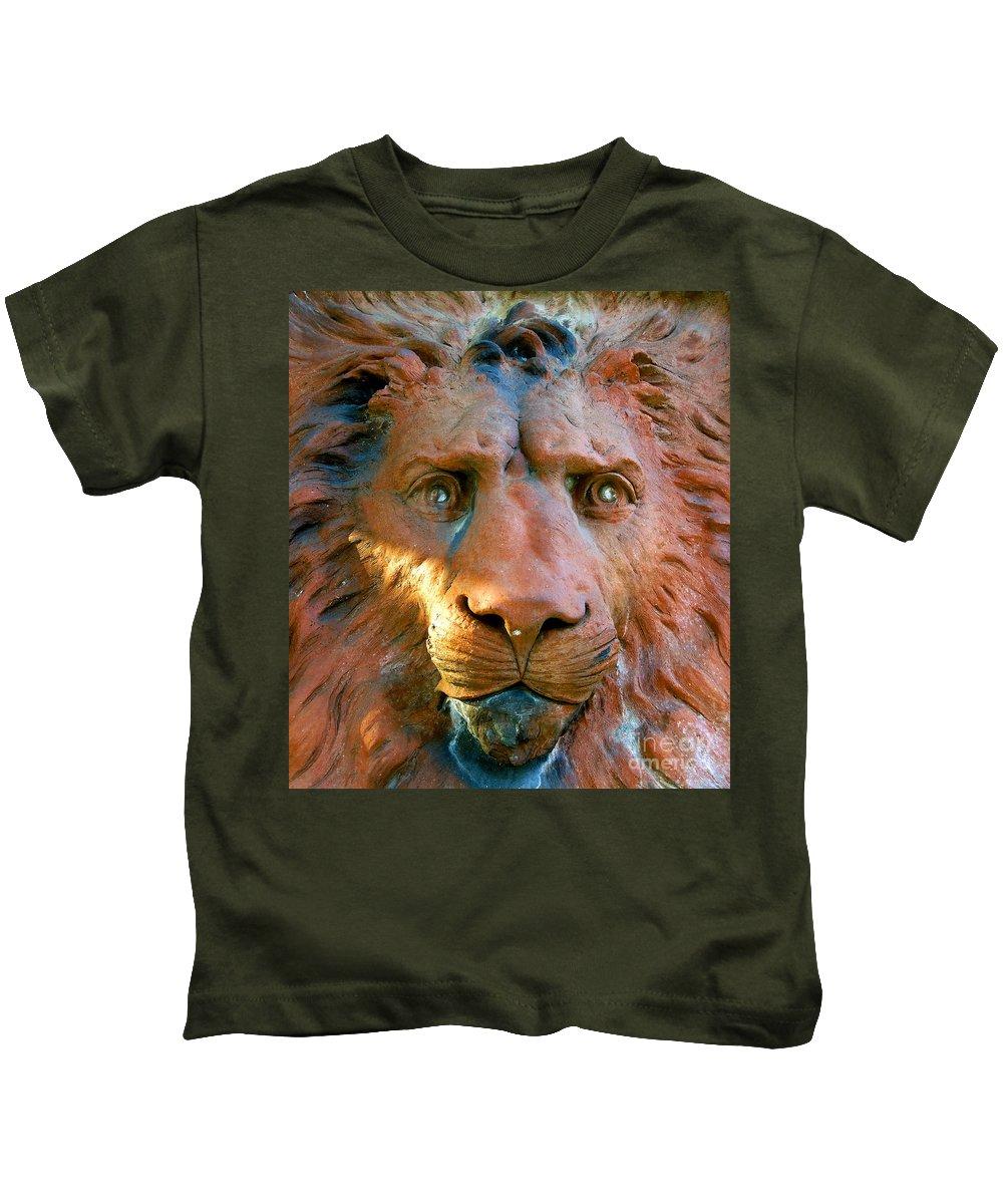 Saint Augustine Florida Kids T-Shirt featuring the photograph Lion Of Saint Augustine by David Lee Thompson