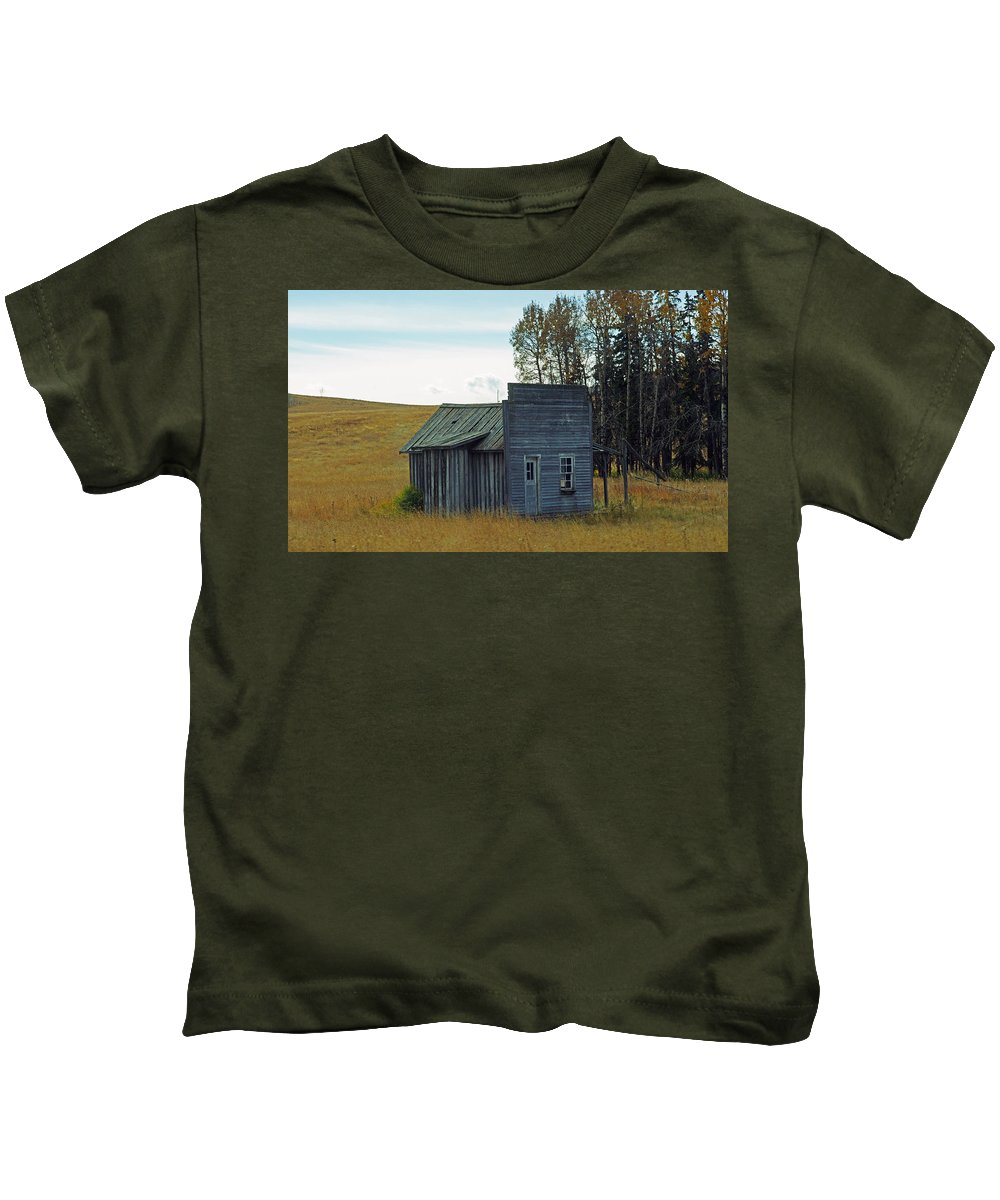 Old Barn Kids T-Shirt featuring the photograph Little Rustic Shack by Randy Harris