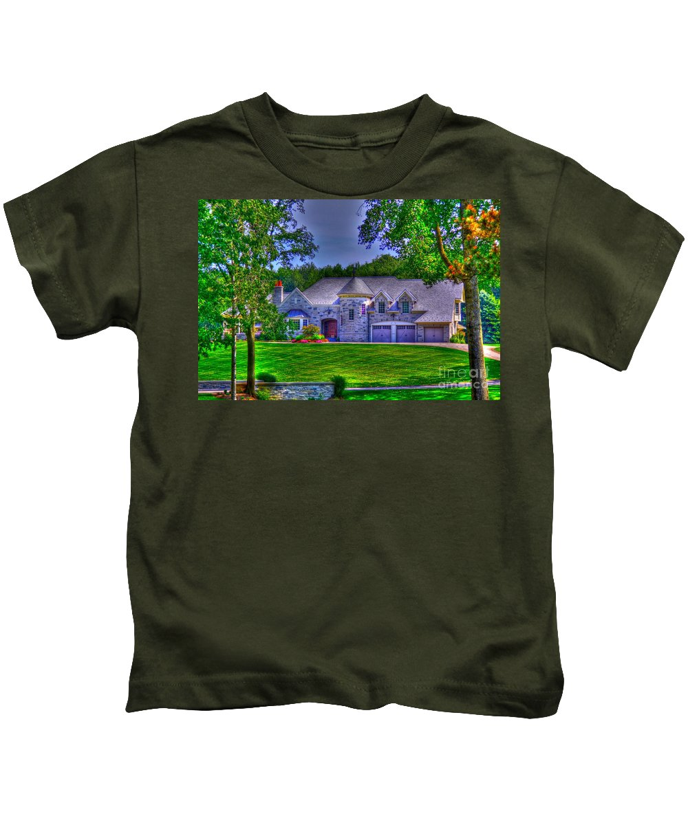 House Kids T-Shirt featuring the photograph Living The Dream by Robert Pearson
