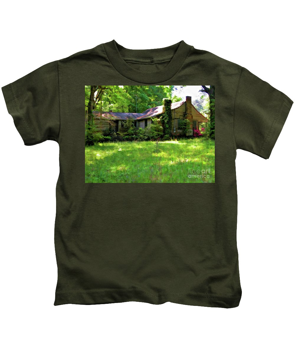Photography Kids T-Shirt featuring the photograph Mississippi Country Place by Kathleen K Parker