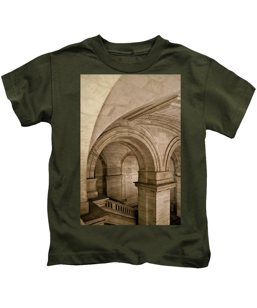 Manhattan Kids T-Shirt featuring the photograph New York Library by Michael Jacobs