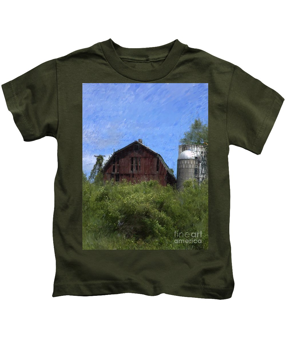 Old Barn Kids T-Shirt featuring the photograph Old Barn On Summer Hill by David Lane