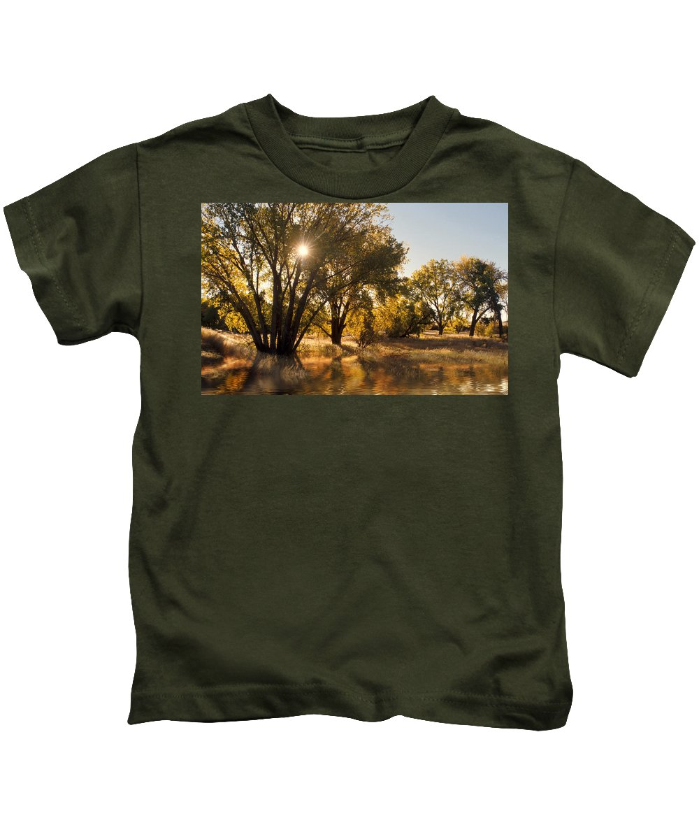 Ftrees Kids T-Shirt featuring the photograph Oliver Sunbursts by Jerry McElroy