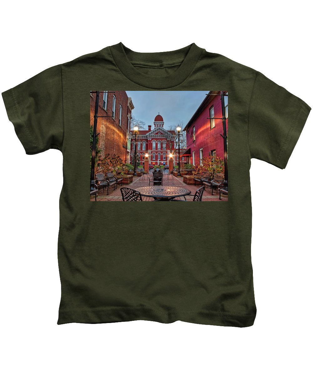 Lake County Kids T-Shirt featuring the photograph Parry Court 2 by Scott Wood