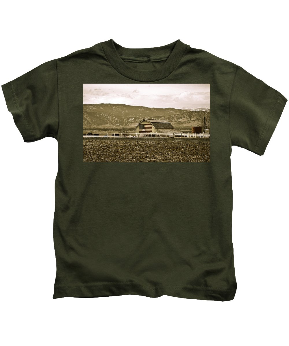 Americana Kids T-Shirt featuring the photograph Patriotism And Barn by Marilyn Hunt