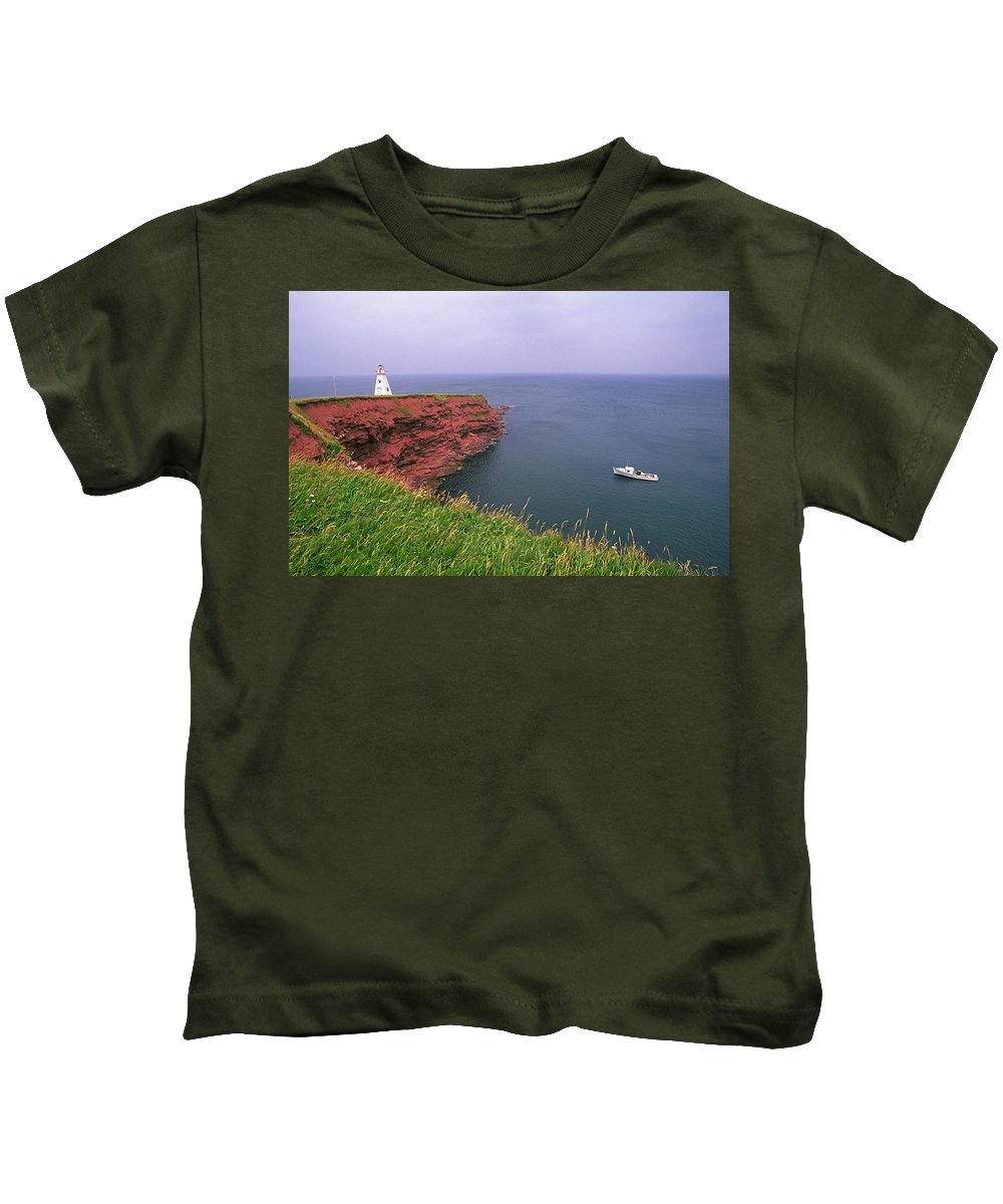 Coastal Kids T-Shirt featuring the photograph Pei Coastal Scene by Buddy Mays