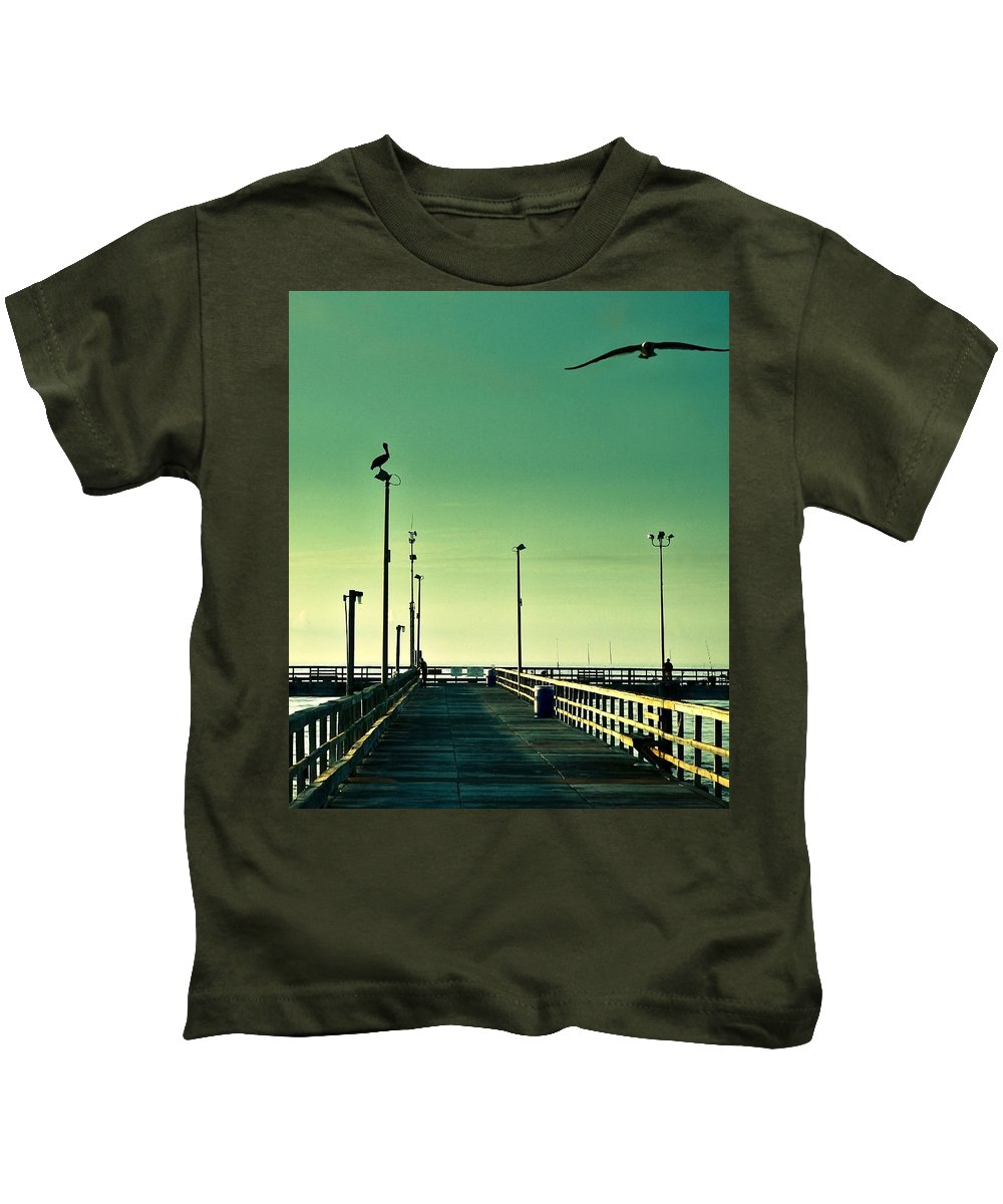 Americana Kids T-Shirt featuring the photograph Pelican On Watch Duty by Marilyn Hunt