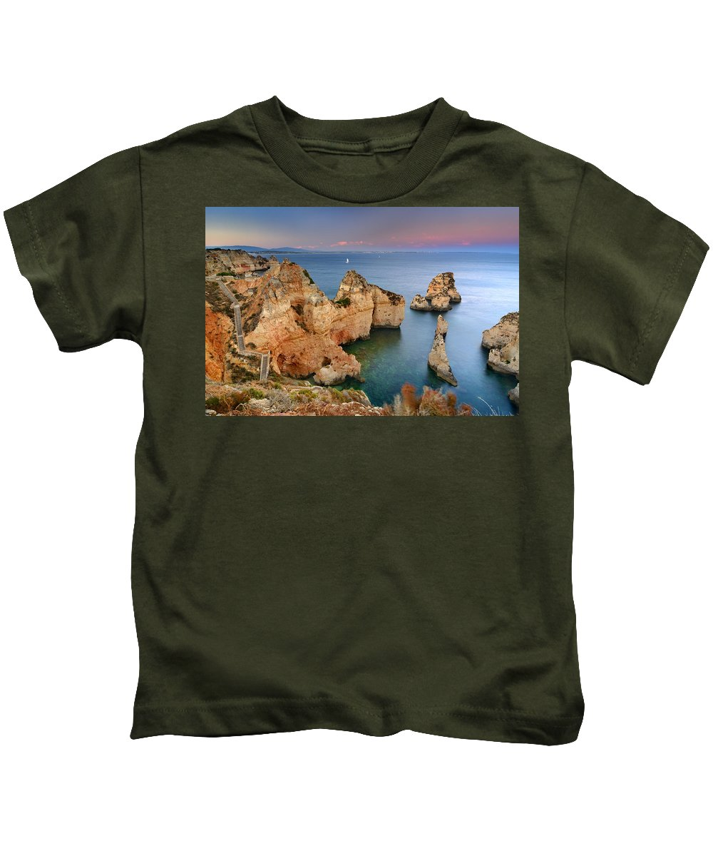 Sunset Kids T-Shirt featuring the photograph Ponta Da Piedade Stairs by Guido Montanes Castillo