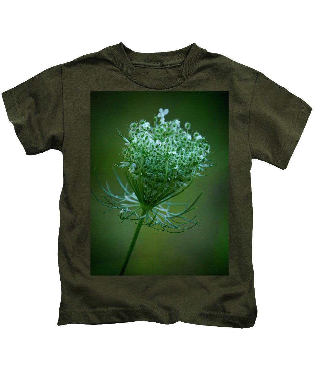 Queen Annes Lace Kids T-Shirt featuring the photograph Queen Annes Lace - 365-164 by Inge Riis McDonald