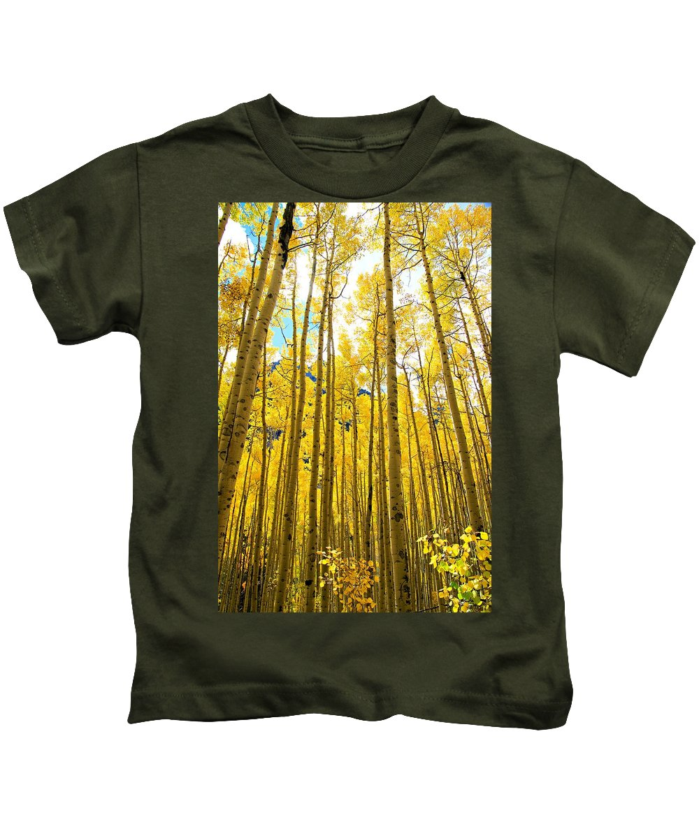 Colorado Kids T-Shirt featuring the photograph Reach For The Sky by Bill Keiran
