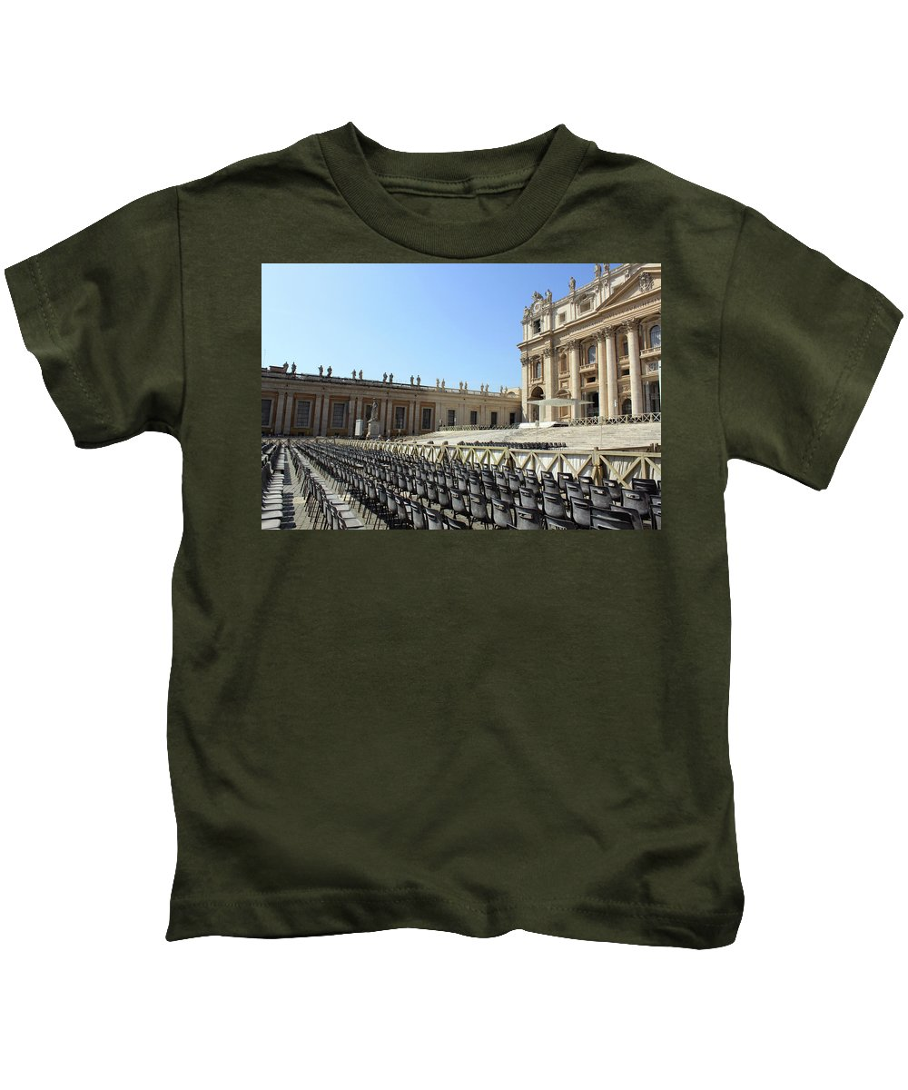 Pope Kids T-Shirt featuring the photograph Ready For Pope's Appearance by Munir Alawi