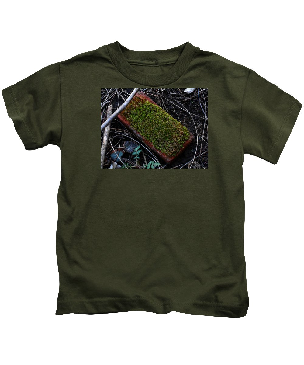 Photography Kids T-Shirt featuring the digital art Red Brick by Jeff Iverson