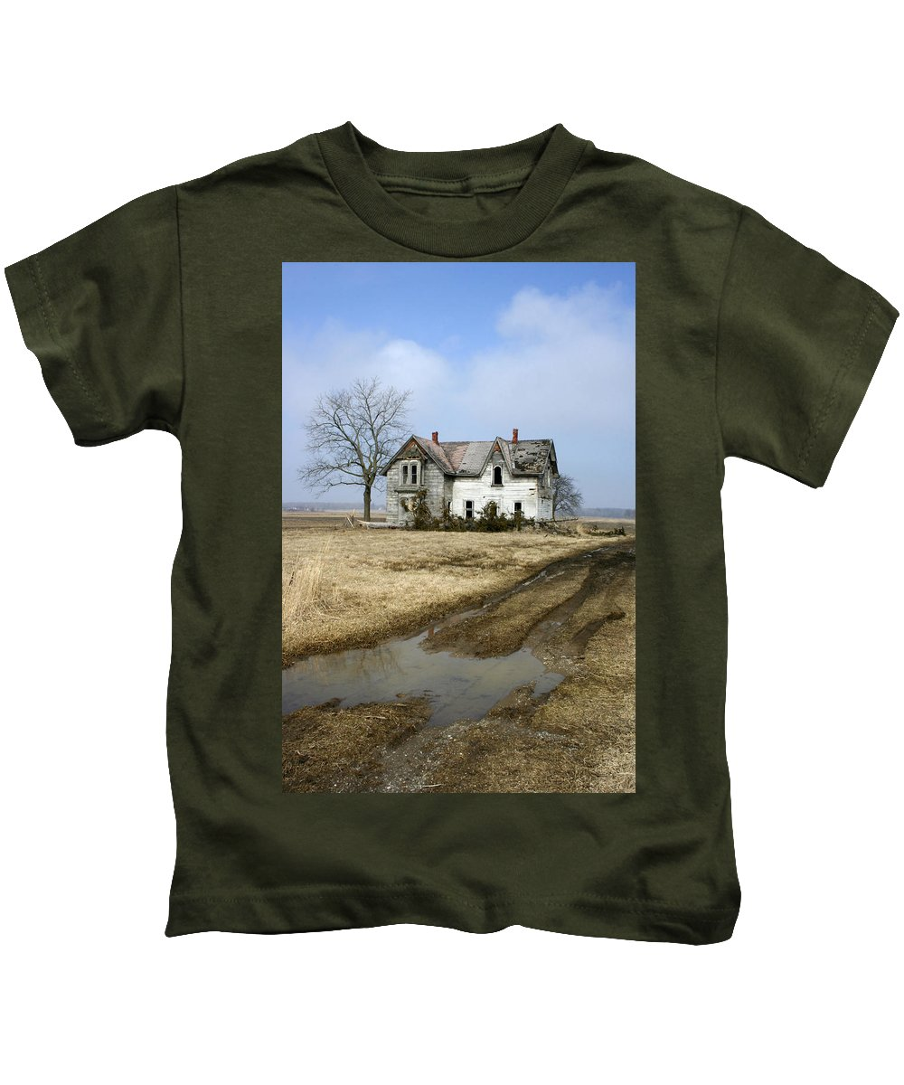 House Kids T-Shirt featuring the photograph Rural Decay by Kathy Stanczak