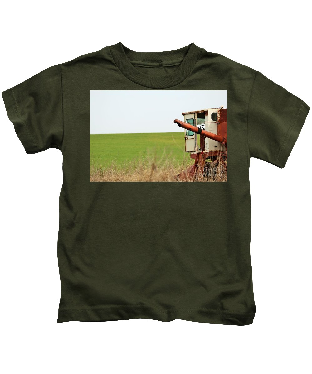 Kids T-Shirt featuring the photograph Rustic019 by Jeff Downs
