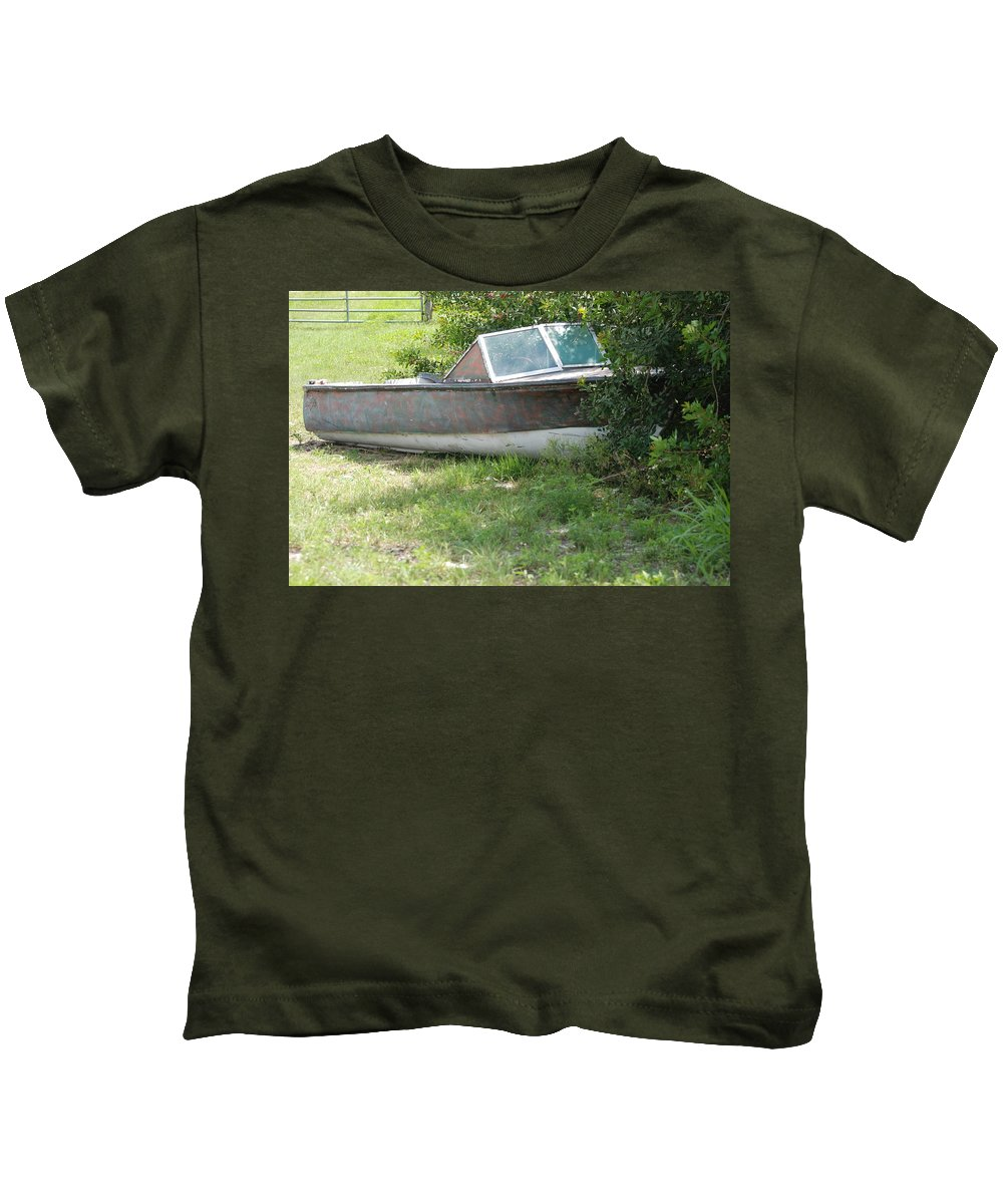 Boat Kids T-Shirt featuring the photograph S S Minnow by Rob Hans