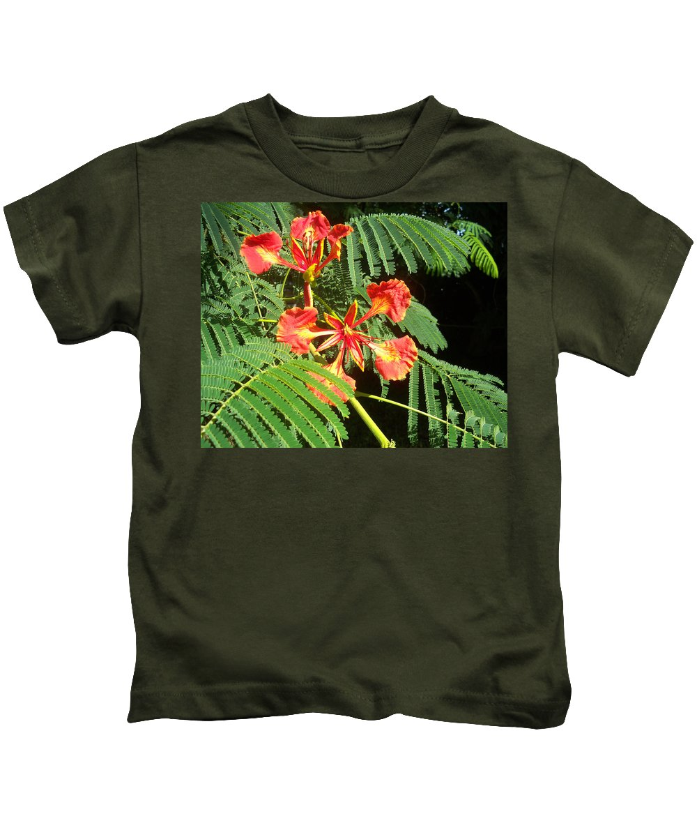 Florida Kids T-Shirt featuring the photograph Sanguine Serenity IIi by Chris Andruskiewicz