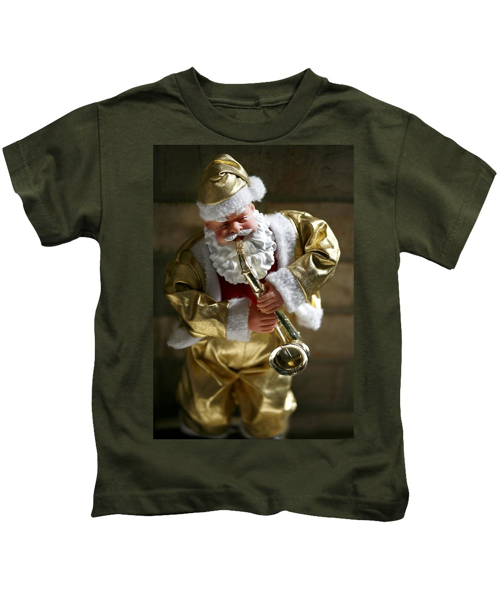 Americana Kids T-Shirt featuring the photograph Santa Playing The Saxaphone by Marilyn Hunt