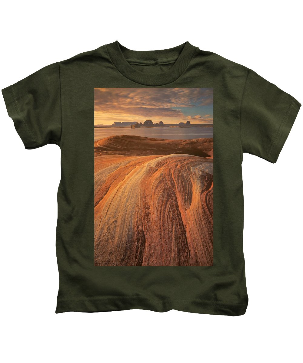Lake Powell Kids T-Shirt featuring the photograph Saying Goodbye To Powell by Hany J