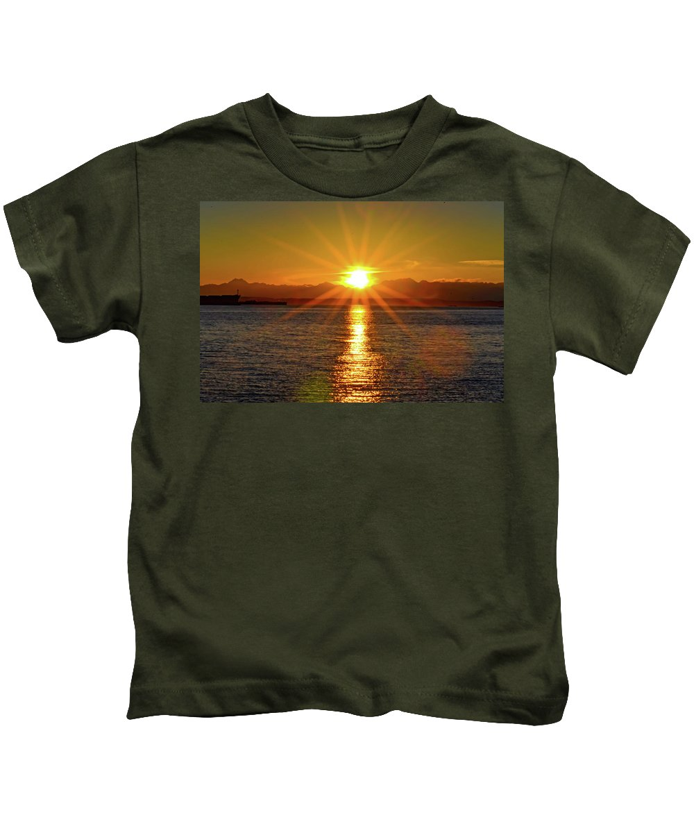 Sunset Kids T-Shirt featuring the photograph Seattle Twilight by Aparna Tandon