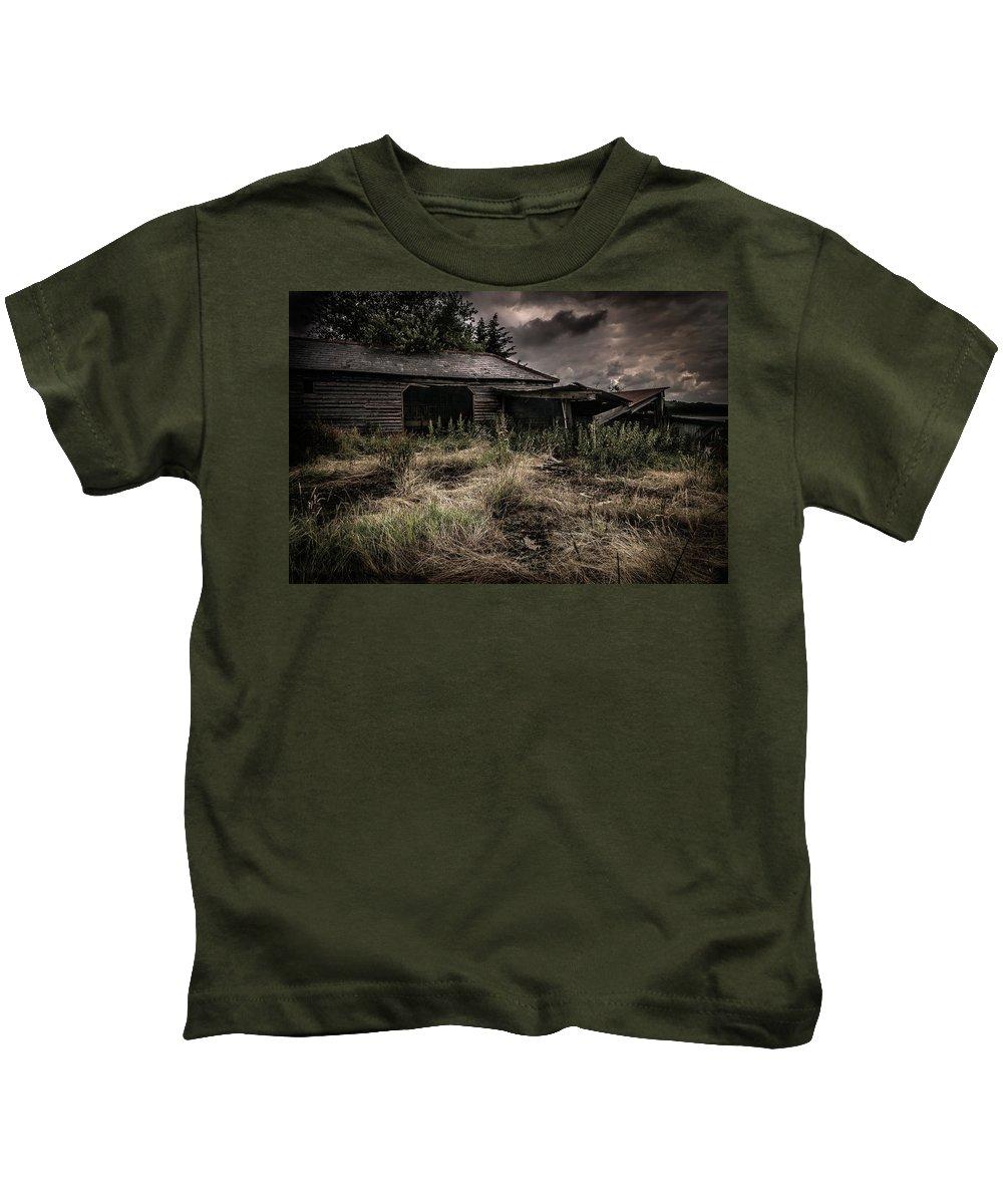 England Kids T-Shirt featuring the photograph Seen Better Days by Peter Hayward Photographer