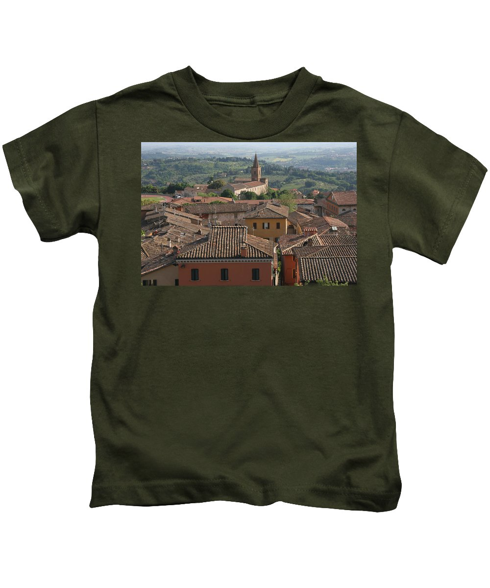 Siena Kids T-Shirt featuring the photograph Sienna Rooftops by Tom Reynen