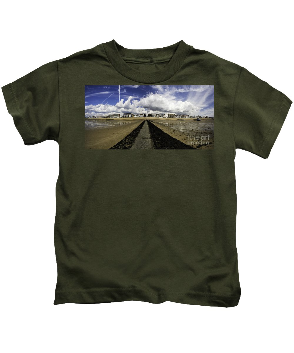 Southend On Sea Kids T-Shirt featuring the photograph Southend On Sea Panorama by Sheila Smart Fine Art Photography