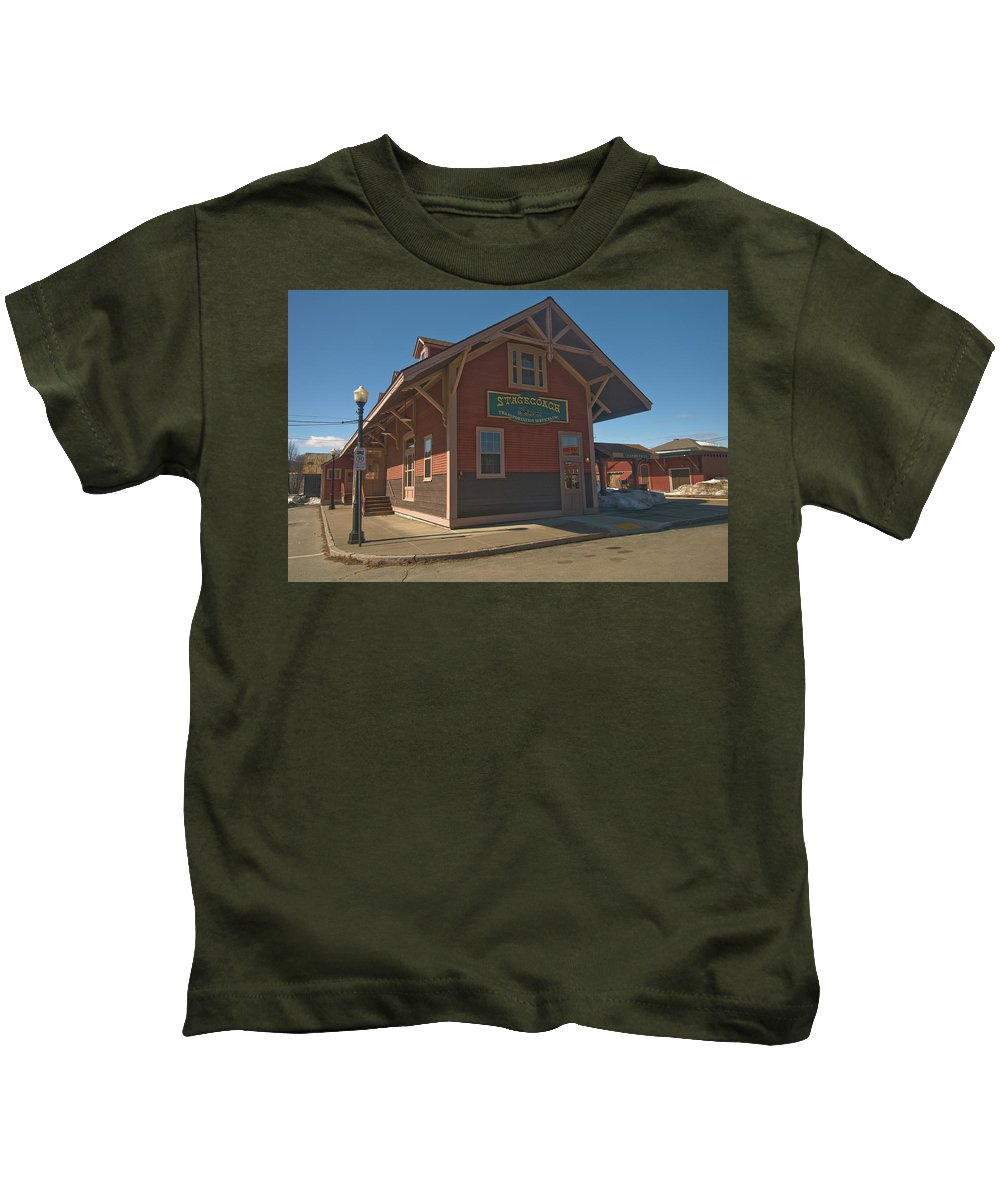 vermont Images Kids T-Shirt featuring the photograph Stagecoach Transportation by Paul Mangold