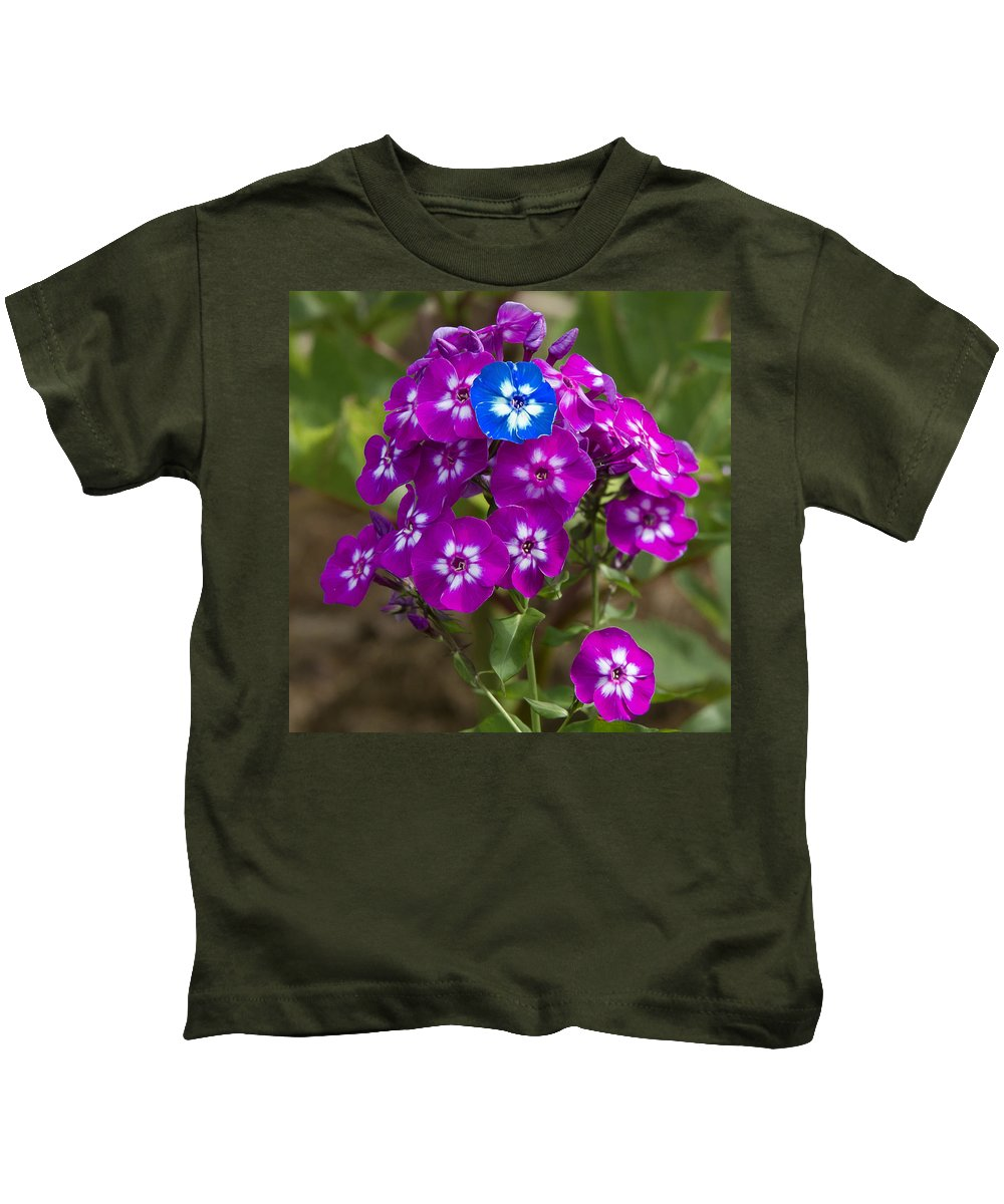 Flower Kids T-Shirt featuring the photograph Standing Out From The Crowd by David Freuthal