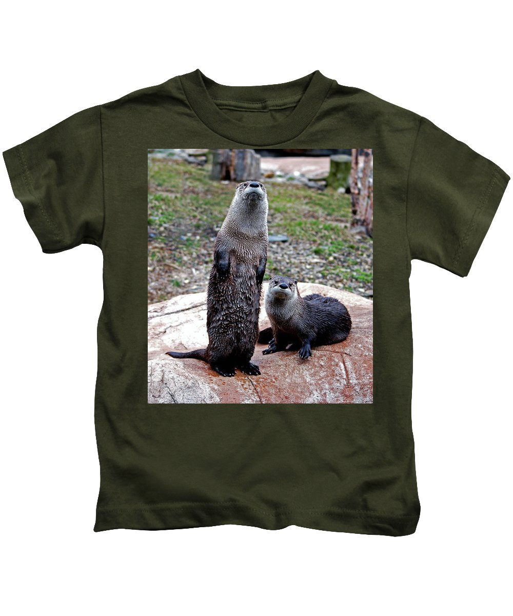 Otters Kids T-Shirt featuring the photograph Standing Tall by Lori Tambakis