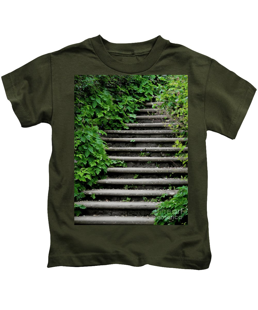 Steps Kids T-Shirt featuring the photograph Steps With Ivy by Catherine Balfe